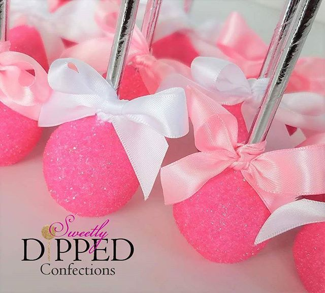 Hot Pink cake pops to match a Victoria's Secret themed Sweet 16 party  #cakepops #victoriassecretcakepops #victoriassecretpink #sweet16party #victoriassecrettheme #victoriassecretbirthday #victoriassecretparty #victoriassecretdesserts #sdconfections #yummm