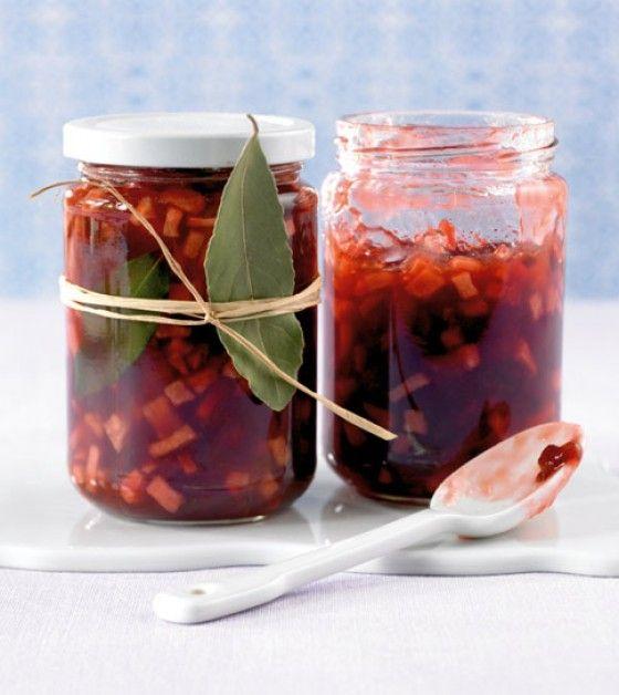 Zwetschgen-Apfel-Konfitüre: Aus Zwetschgen kann man hervorragend auch Konfitüre kochen, dank des Apfels bekommt sie noch eine frische Note.