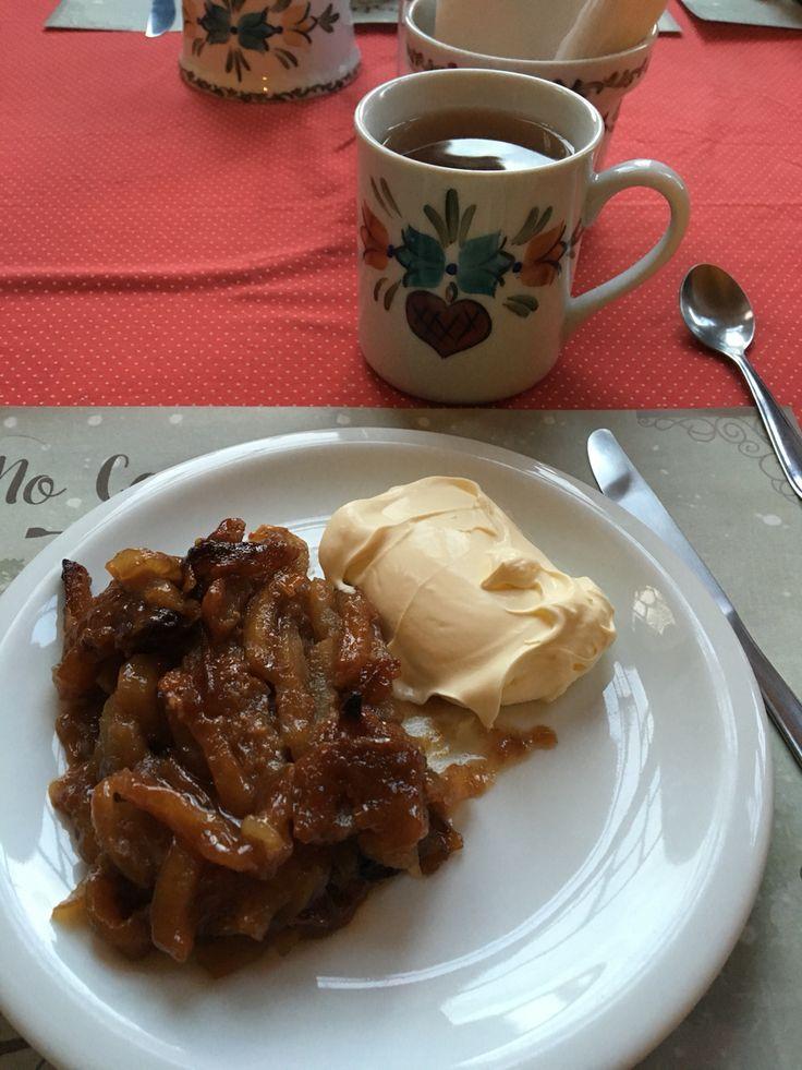 Torta de maçã e chá de maçã feita por Alemães do início do século 19 na cidade de Canela-RS