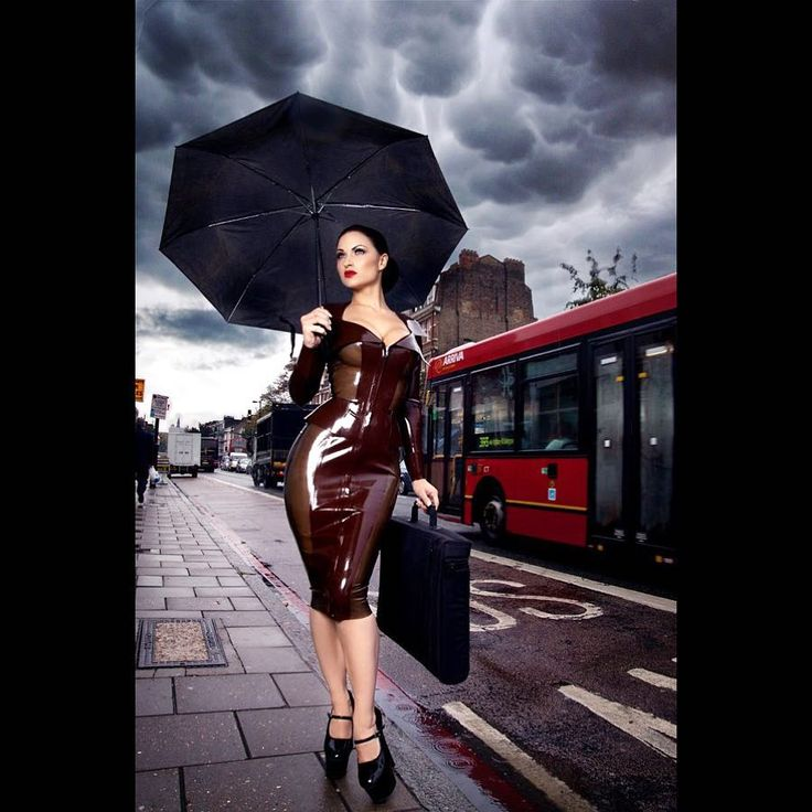 "237 Me gusta, 8 comentarios - House of Harlot (@houseofharlot) en Instagram: ""Hope all Londoners have their sexy waterproof on today!! ☂ @sister_sinister wearing #houseofharlot…"""
