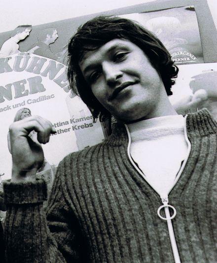 Diether Krebs (* 11. August 1947 in Essen; † 4. Januar 2000 inHamburg) war ein deutscher Schauspieler, Kabarettist und Komiker.
