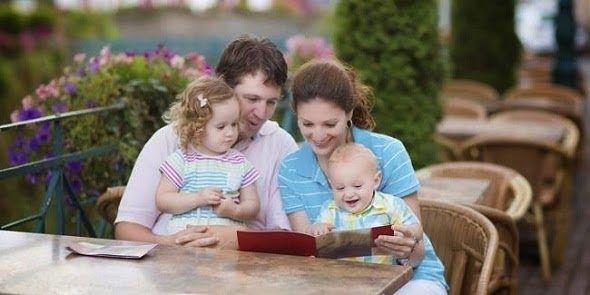 Belum Tahu khan ? Inilah Alasan Pentingnya Membacakan Dongeng untuk Anak Sewaktu kecil ayah atau Ibu kita sering kali membacakan dongeng sebelum tidur. Mulai dari cerita kancil yang suka mencuri timun sampai kura-kura yang berjalan lambat. Dongeng yang sudah bertahun-tahun tersebut masih diingat hingga saat ini dan mungkin sudah anda dongengkan kembali kepada anak-anak anda. Tidak semua orang percaya akan pentingnya dongeng untuk anak-anak. Bahkan 25% dari orang tua baru yang disurvei…