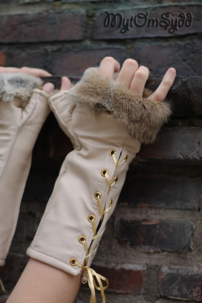 Fur lined fingerless leather gloves. Made by Costume designer/costume maker Julia Elstring Högberg.