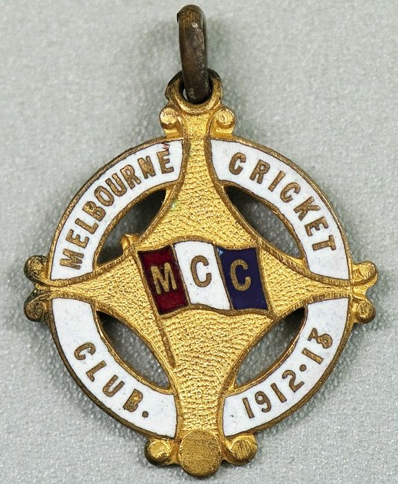 MELBOURNE CRICKET CLUB, 1912-13 membership badge, made by C.Bentley, No.1013.