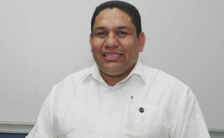Honduras: Colegio de Abogados: urge revisar la Constitución  El presidente del Colegio de Abogados es del criterio que se pueden discutir posibles reformas como lo dijo el mandatario. El abogado José Luis Valladares se pronunció sobre el anuncio del titular del Poder Ejecutivo.