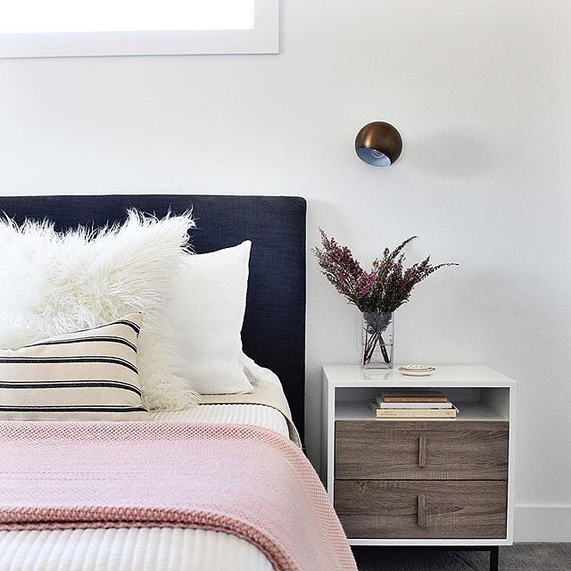 😴 Who else hit the snooze button this morning? We LOVE this #bedroom from @afpdesign. Recreate her look at the link in our profile! #mymodern #bedroombliss