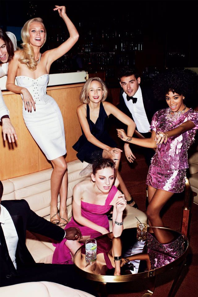 Night out with friends in the Big Apple like this please!     Nightlife/ City nightlife/ New York city nightlife/ City night lights/ Nightlife fashion/ Going out outfits/ Night-out look