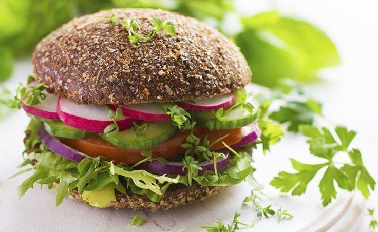 O veganismo é uma filosofia, um estilo de vida. A alimentação vegana, é rica e variada suficiente para a necessidade do corpo humano.