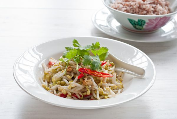 beansprouts and salted fish stir fry