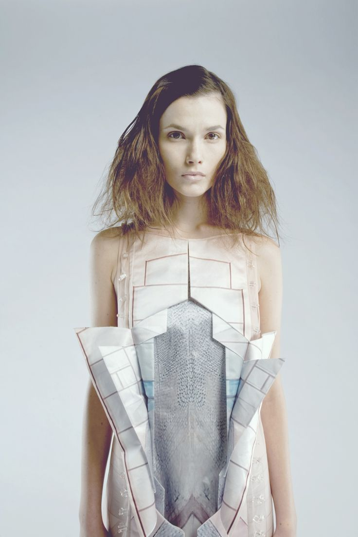 Architecture inspired fashion design - line, fold & peeling layers; structured dress, 3D details // Vivien Chong