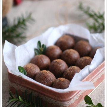 Raw pepparkaksbollar (glutenfria) - Recept - Tasteline.com