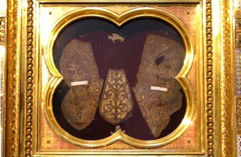 reliek van de sandalen van Jezus. Prüm (Duitsland, Eifel), abdijkerk.