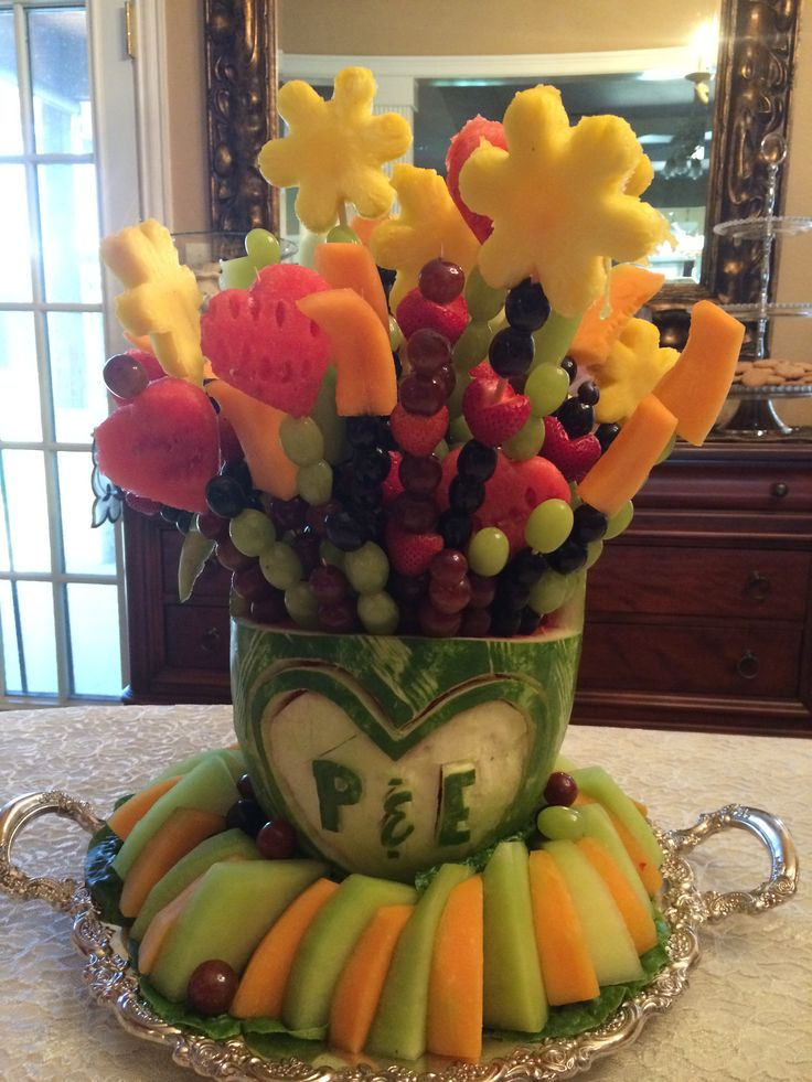 Fruit carving arrangement
