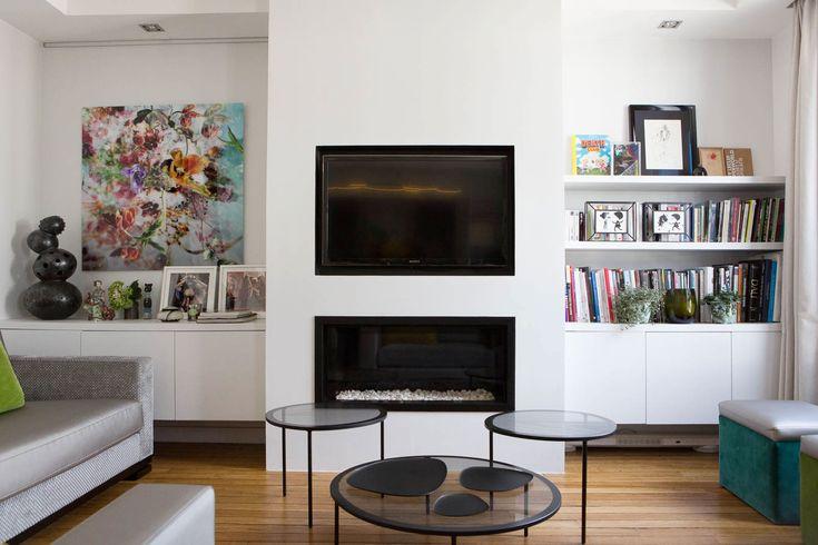 Idée des meubles suspendus bas tout le long du mur avec éventuellement étagère