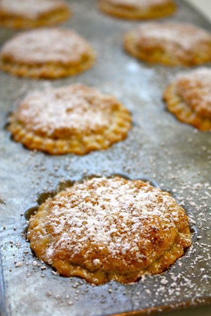 Mince Pies with Macaroon Topping - Blue-Eyed Bakers - Blue Eyed Bakers