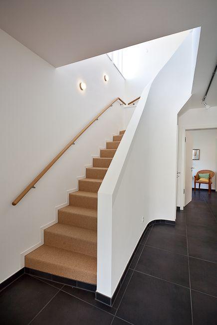 Traumhaus modern innen  Die besten 25+ Treppengeländer innen Ideen auf Pinterest ...