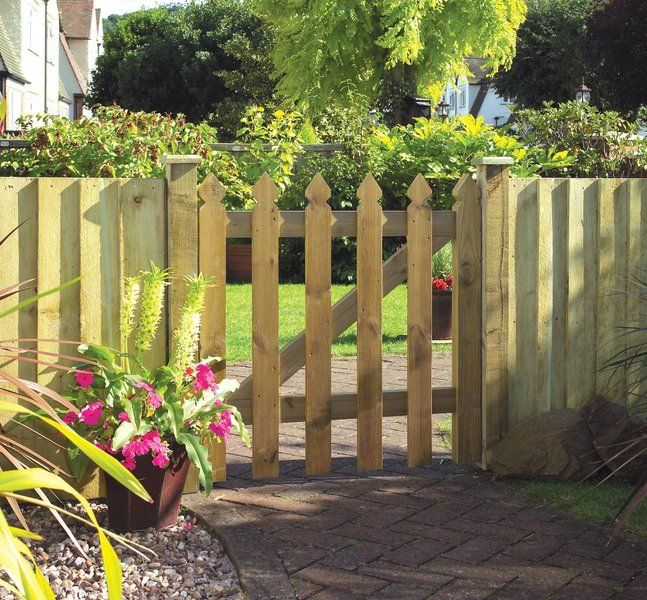 Elite Palisade Gate A Decorative Pressure Treated Wooden Palisade Garden  Gate With Pointed Top Measuring