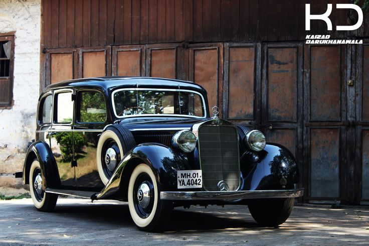 Antique Car . By Kaizad Darukhanvala who is studying to get his Degree in Photography.