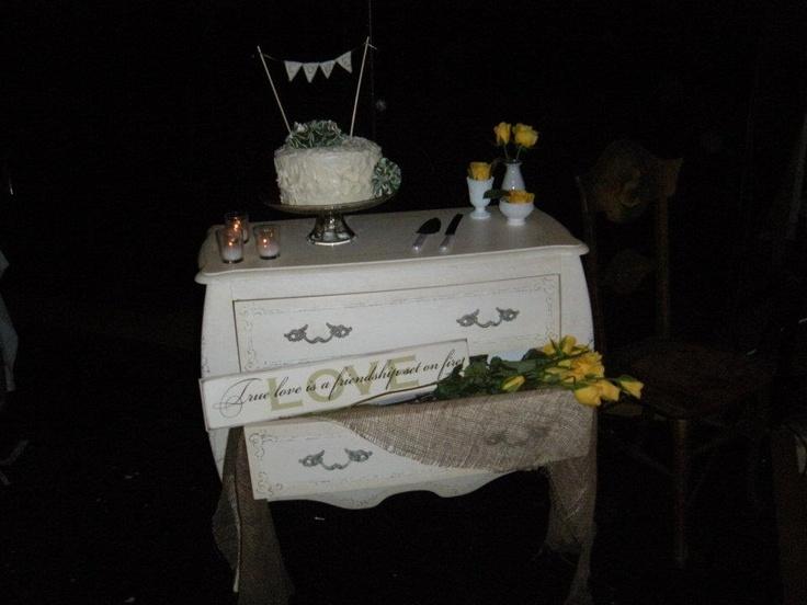 Beautiful wedding cake and arrangment!