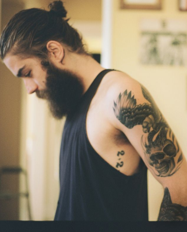 style beard tattoo men style tattoo beards long hair art pinterest hair ponytail black. Black Bedroom Furniture Sets. Home Design Ideas