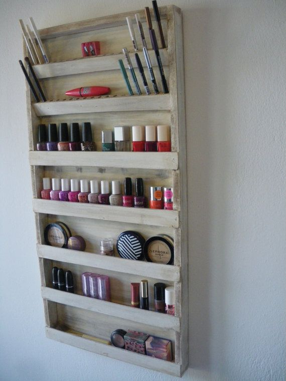 Old white nail polish rack makeup organizer bathroom - Organizador de pared ...