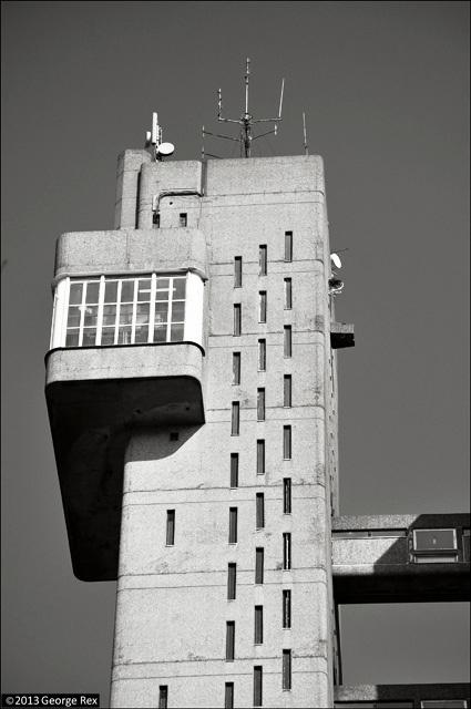 Trellick Tower / top