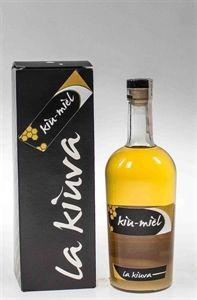 Kiu Miel  - Da qualcuno gia' definita la 'risposta valdostana'' al limoncello, l'ultimo prodotto lanciato dalla cooperativa vitivinicola 'La Kiuva' di Arnad, nella bassa Valle d'Aosta, e' una grappa dolce e delicata frutto dell'abbinamento con il miele.