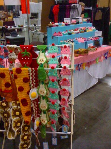 Crochet food scarves and cupcakes look yummy