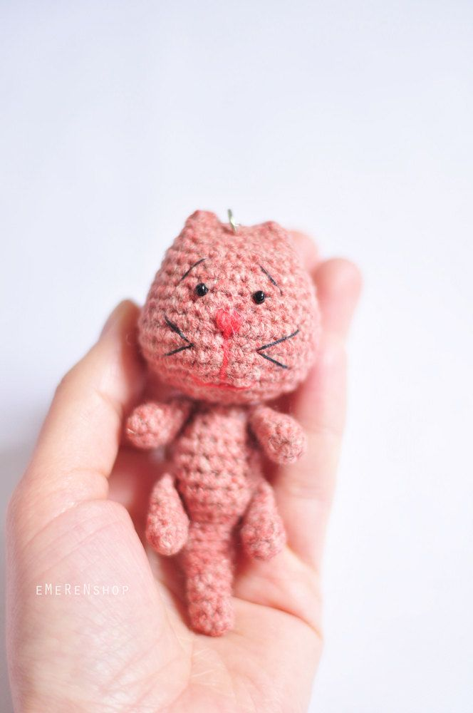 Amigurumi Cat Stuffed Plush Keychain, Cat amigurumi key ring, cute handmade crochet animal, excellent gift or personal accessory by EMERENstore on Etsy