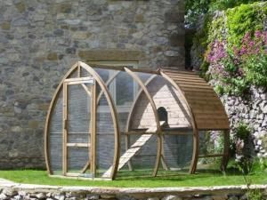 Chicken Coops - 600 Plans to go with my cows, horses and sheep