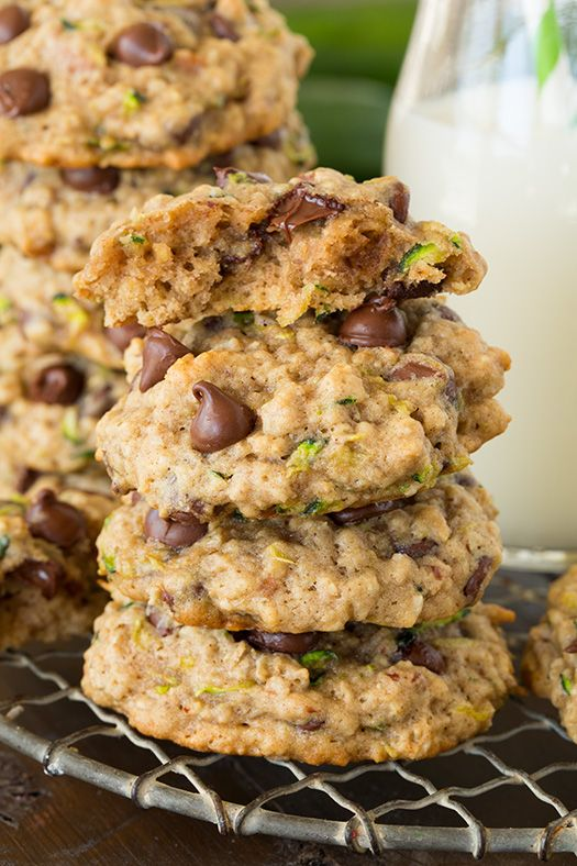 Zucchini Oat Chocolate Chip Cookies - is there a better way to use zucchini? These are AMAZING!!