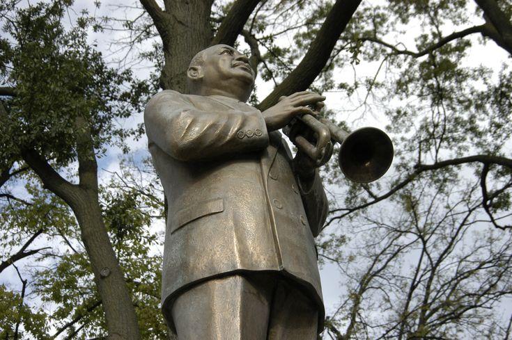 WC Handy statue on Beale Street in Memphis, TN.