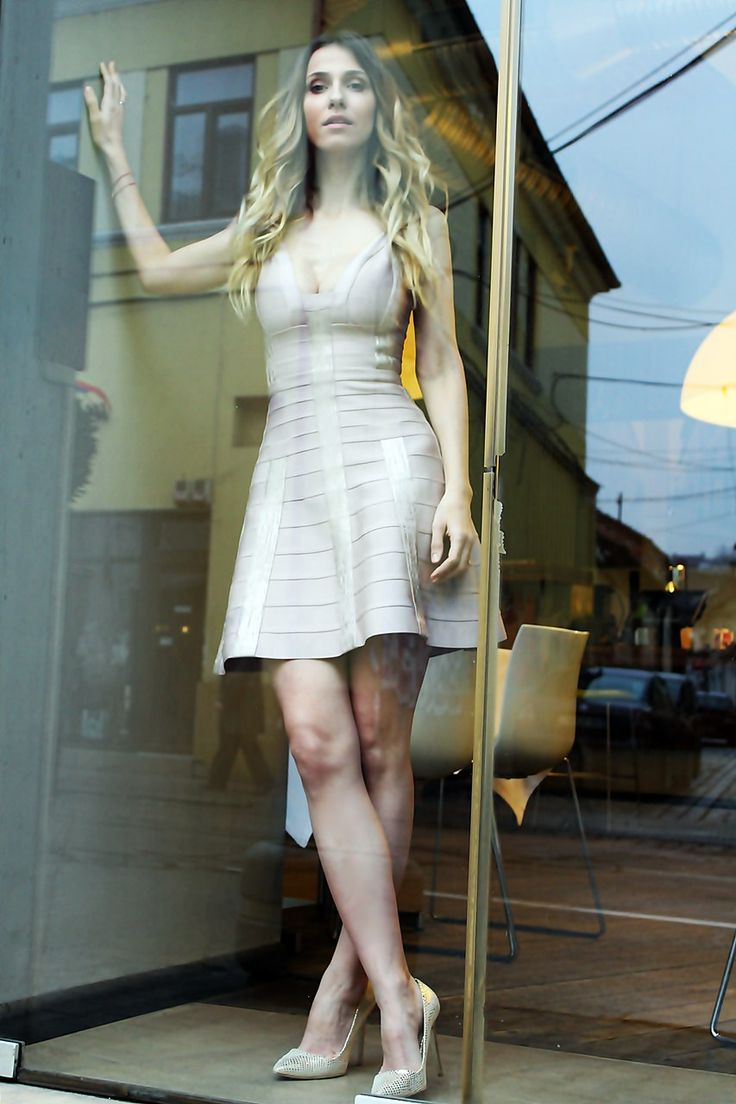 The party is on! Dana Rogoz wearing Herve Leger dress: http://www.dressbox.ro/rochii/herve-leger--hl13.html