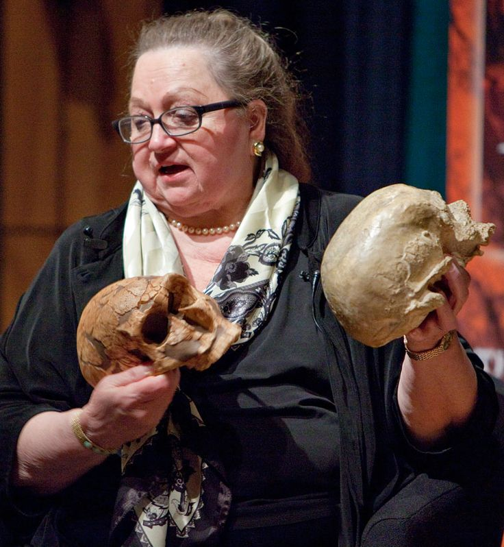 """5D. """"What on Earth? Jean Auel and Chris Stringer meet to tell us."""" Packing the house at the Natural History Museum in London in March, 2011, Jean Auel holds her own with the Museum's palaeoanthropologist, and """"The conversation wasn't so much fact versus fiction, more fact enriching fiction."""""""