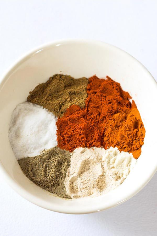 This awesome homemade Chili Seasoning mix comes in super handy for making anything from chilis, tacos and even roasted vegetables. Skip the store-bought packets together with the additive and preservatives and make your own gluten free chili spice mix with ingredients you probably already have in your pantry!