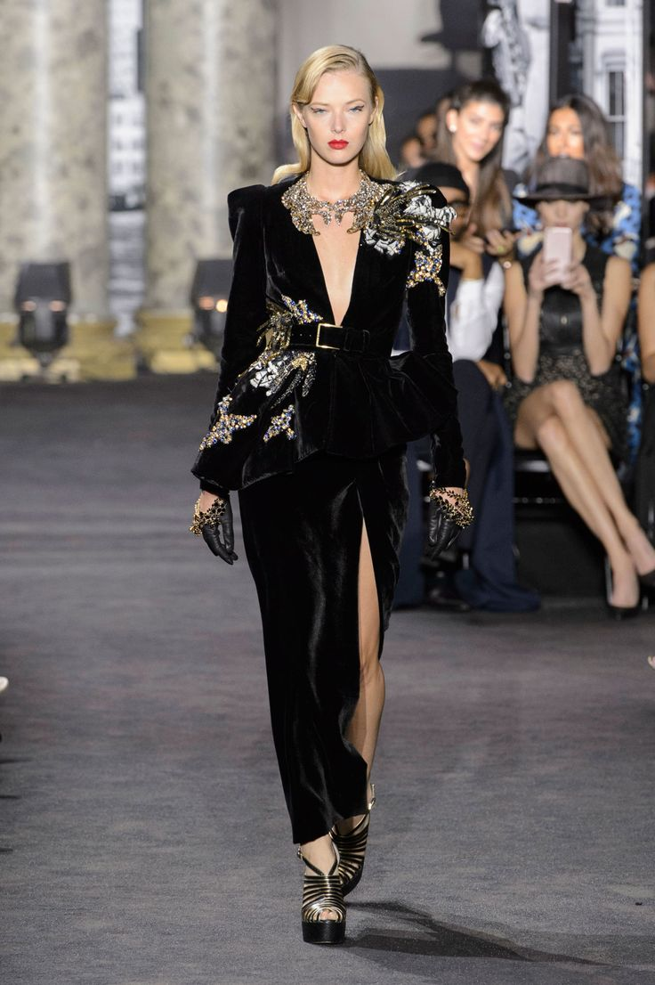 17 best images about my elie saab on pinterest kaftan for Haute couture pronounce