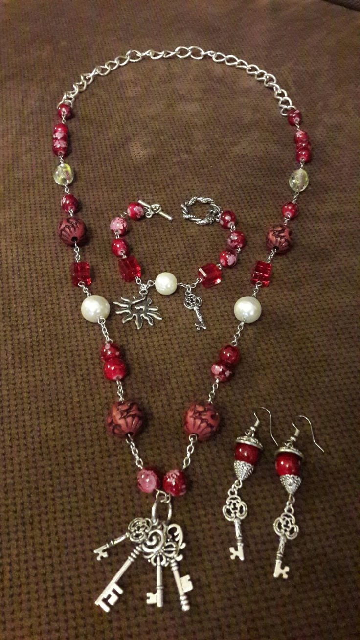 Wine red beaded necklace