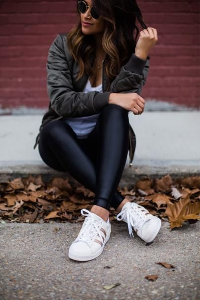 adidas superstar blancas outfit