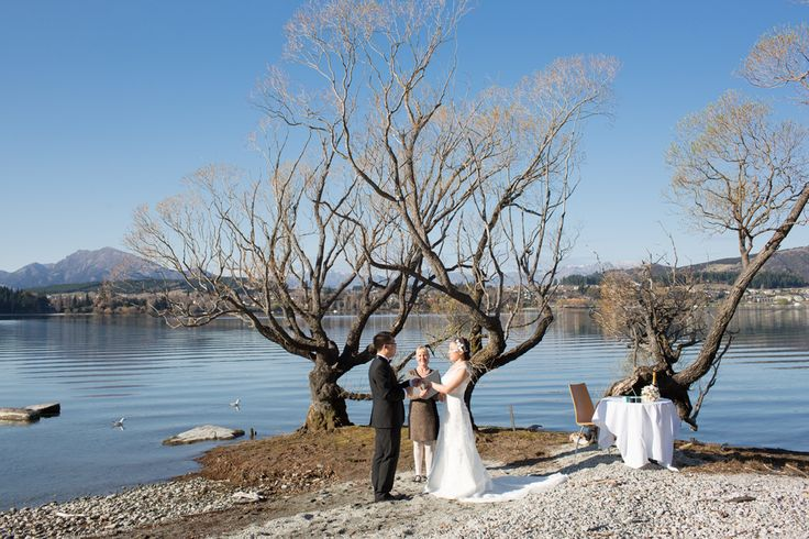 Jessica & Justin - lakefront love. http://www.alpineimages.co.nz