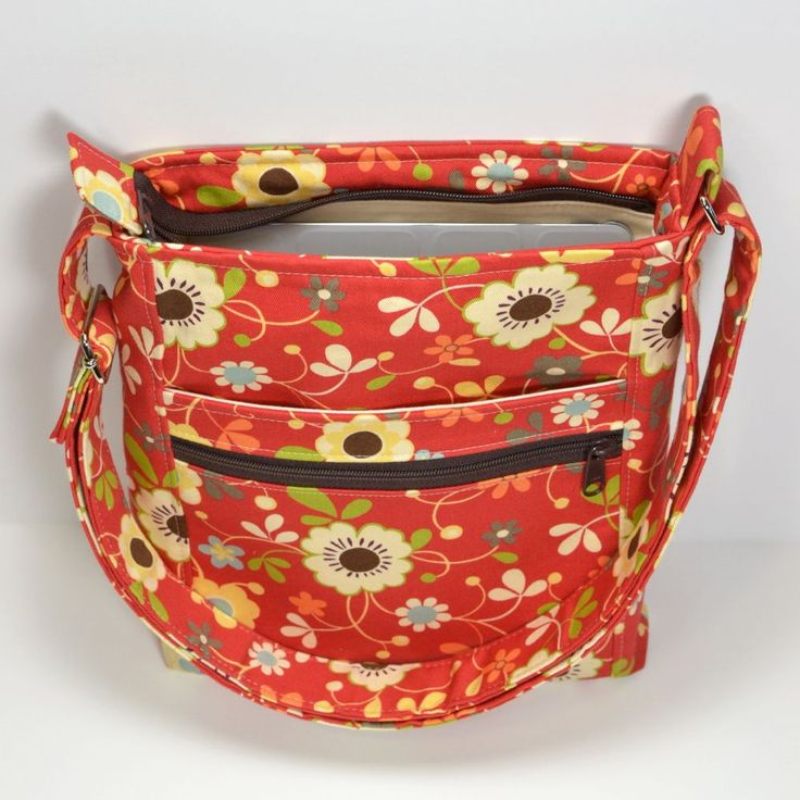 Two Zip Hipster w/Ipad pocket pattern