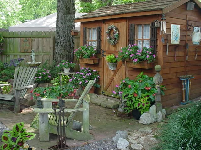 Abri De Jardin De Design Convivial Et Esthetique En 26 Idees Sheddesigns Cottage Garden Garden Storage Backyard Sheds