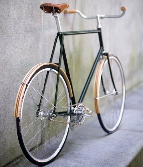 wooden fenders, gorgeous bicycle