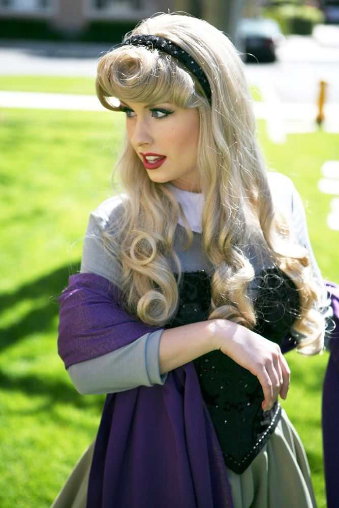 love this cosplay...some subtle way to homage her spiral curls Aurora Briar Rose