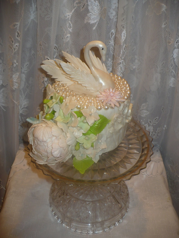 swan wedding cake 27 best images about swan cakes on flora 20670
