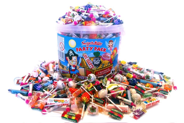 This Bumper Bucket contains a MASSIVE 5kg selection of Swizzle Matlow sweet favourites, including Love Hearts, Drum Stick Lollies, Fruity Pops, Fizzers, Parma Violets, Double lollies, Mr Men Chews and more. This Bumper Party Bucket is the perfect gift for sharing and would be great as a Christmas gift.