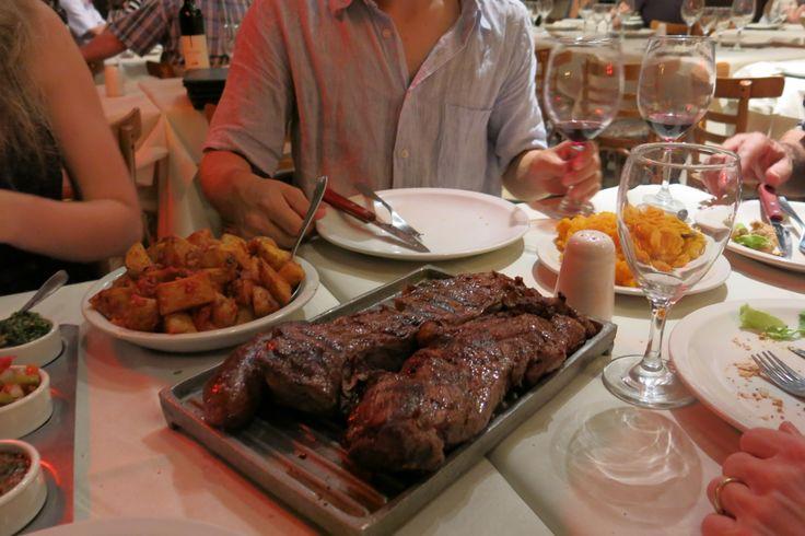 Grande Bife de Chorizo! Gran Parilla del Plata. Buenos Aires