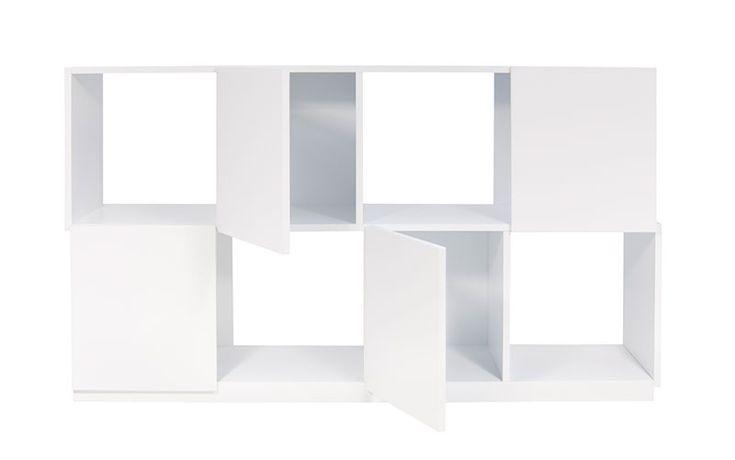 Auf Lager: Regal Branch 4x2 -  Möbel / Regalsysteme -  Die Branch Regale zeichnen sich durch ihr Äußeres aus, welches an ein Schachbrett erinnert.Bei den frontal geschlossenen Bereichen, handelt es sich bei den mittleren um Türen, die Äußeren sind seitlich geöffnet.Somit besitzt das Regal Branch 4x2 zwei Tür.Die Branch Regale bestehen aus hochwertigen MDF Holz und sind in edlem Weiß...