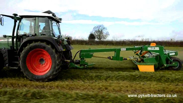 Fendt 313 mowing - YouTube