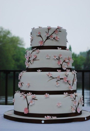 Blumenranken-Torte für die Hochzeit  noch mehr Hochzeitstorten auf…