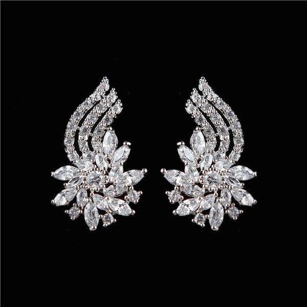 Trendy Elegant CZ Flower Shape Platinum Plated Stud Earrings